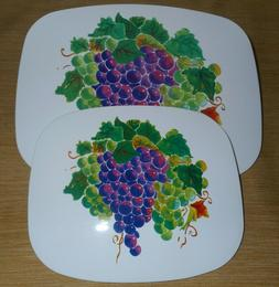 2 Pieces Tuscany Grape Hot Plates Hot Pads Trivet White Purp